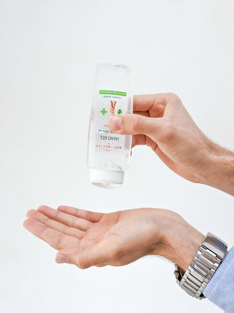 Jakie są różnice między kosmetykiem o działaniu antybakteryjnym a preparatem biobójczym?